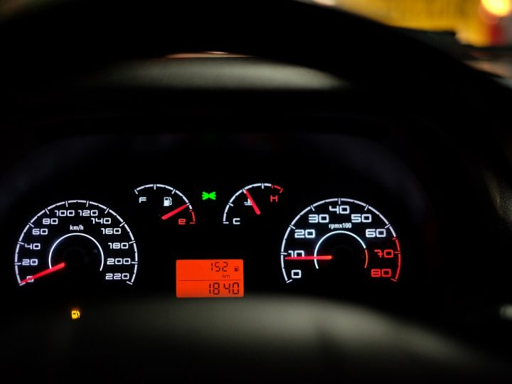 Wypożyczanie samochodów z wypożyczalni